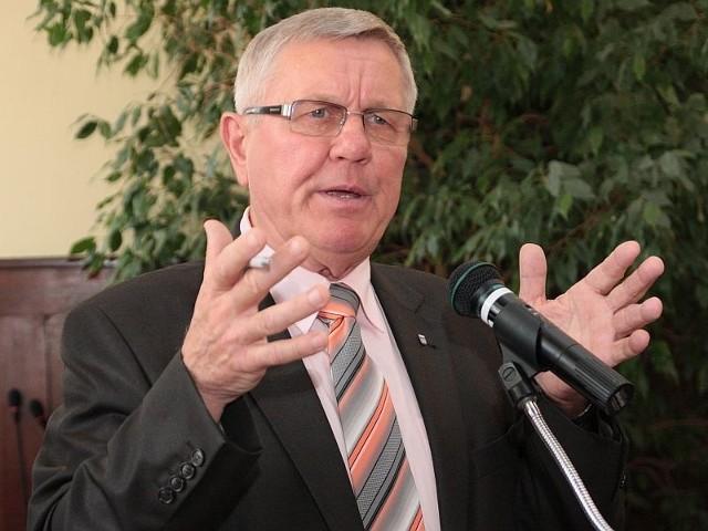 Burmistrz Międzyrzecza Tadeusz Dubicki nie wyklucza swojego udziału w jesiennych wyborach.