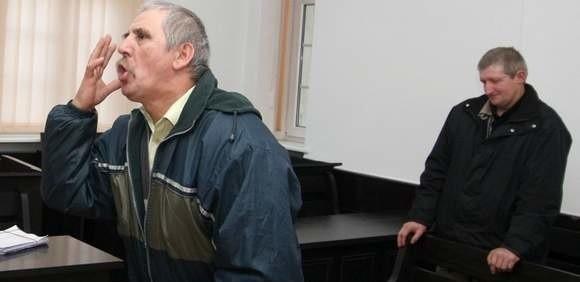 Konfrontacja w sądzie bioenergoterapeuty Marka Galikowskiego (przesłuchiwany) z wizjonerem Józefem Dzieciątko.