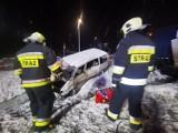Poważny wypadek pod Grodziskiem. W Kotowie samochód ciężarowy zderzył się z busem