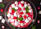 Słodkie wypieki czy... dzieła sztuki? Te ciasta, torty i desery są prawdziwymi perełkami. Trudno oderwać od nich wzrok! Zobacz ZDJĘCIA