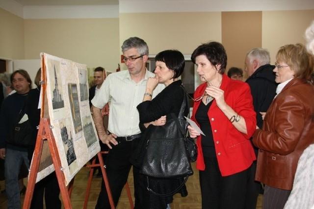 Zainteresowanie widzów wzbudzały nie tylko eksponaty, ale i opowieści Piotra Barcia.