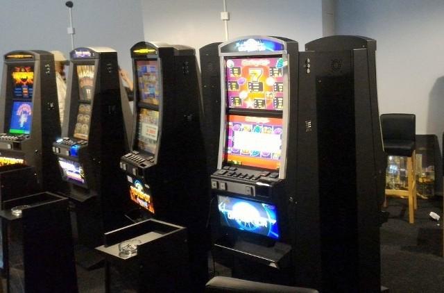 W 2016 roku funkcjonariusze podlaskiej Służby Celnej zatrzymali blisko 1100 urządzeń do gier hazardowych, które działały niezgodnie z obowiązującym prawem.