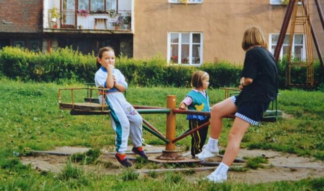 Dzieci na Parceli przy ulicy Kościuszki