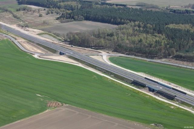 Via Baltica. Węzeł Podborze-Śniadowo. GDDKiA wypowiedziała umowę wykonawcy. Po braku reakcji na wielokrotne wezwania generalnego wykonawcy do przyspieszenia prac, GDDKiA podjęła decyzję o odstąpieniu od umowy z jednym z wykonawców S61.
