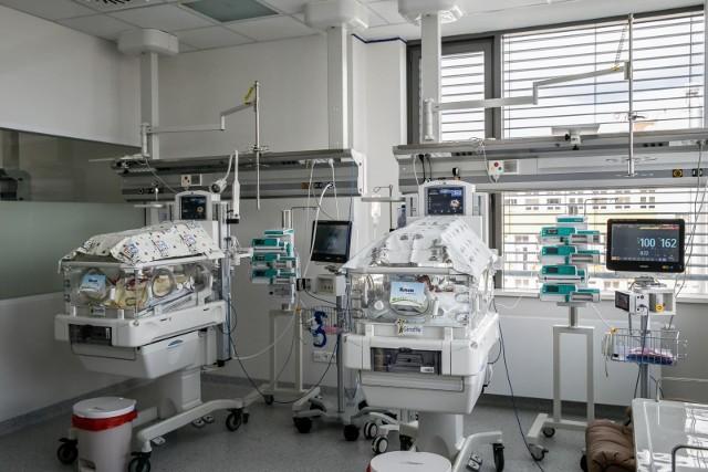 Konflikt w Uniwersyteckim Centrum Klinicznym po zwolnieniu czterech położników