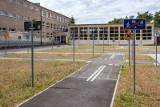 Pod szkołami krąży podejrzany mężczyzna - alarmują rodzice dzieci z fordońskich szkół. - Tylko bez paniki - zastrzega policja
