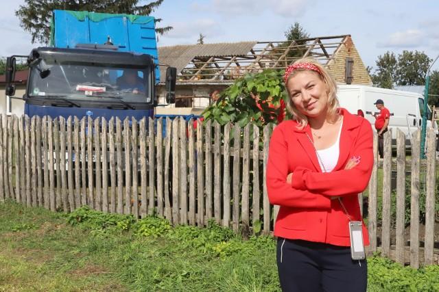 Remont domu państwa Szewczyków nadzoruje architekt Martyna Kupczyk, którą mogliśmy poznać podczas wcześniejszych odcinków programu.