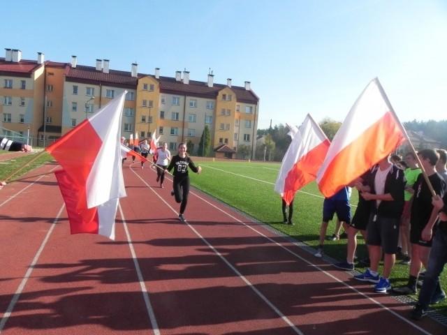 W Szkole Podstawowej w Połańcu na sportowo uczczono Narodowe Święto Niepodległości.