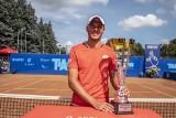 Kacper Żuk wygrywa w kolejnej edycji turnieju tenisowego Talex Open w Poznaniu! Polak w finale pokonał Bułgara 7-6, 6-1 [ZDJĘCIA]