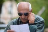 """Jaka będzie czternasta emerytura 2021? Kto dostanie """"czternastkę"""" i kiedy trafi na konto?"""