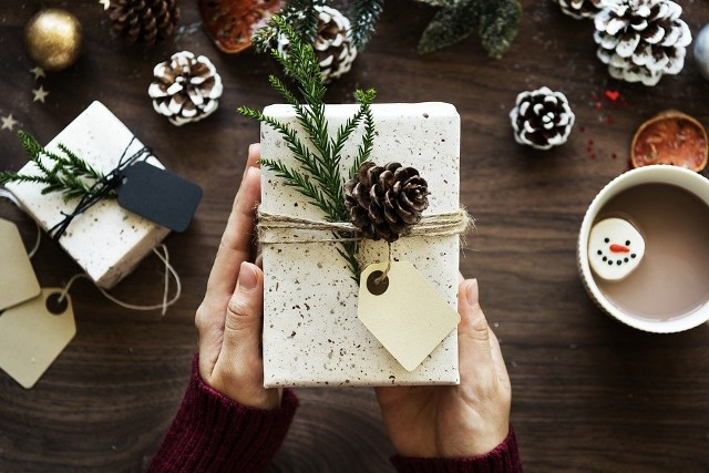 2 miesiące na randkę z prezentem świątecznym