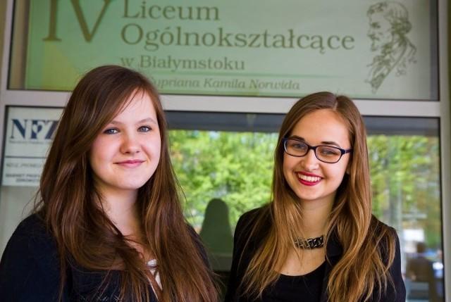 Zadania z matematyki okazały się dość łatwe - oceniały po wyjściu z sali egzaminacyjnej maturzystki z IV LO: Natalia Olszyńska (z prawej) i Anna Szadurska.