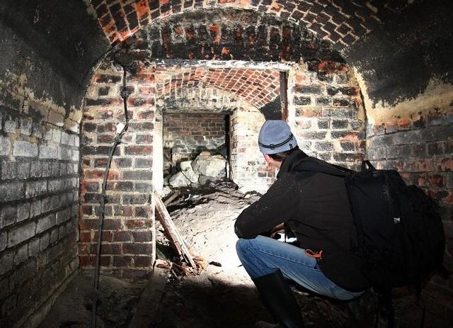 Na Nowym Mieście odkryto podziemne konstrukcje z cegieł. Tuż obok powstaje nowe osiedle.