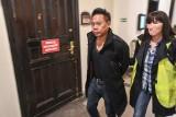 Znany filmowiec zatrzymany w listopadzie w Bydgoszczy nie pójdzie za kraty. Jest już w swoim domu w USA