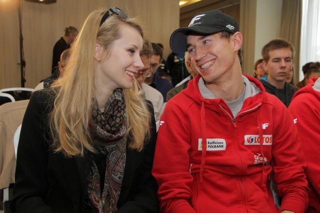 Kamil Stoch z żoną Ewą.