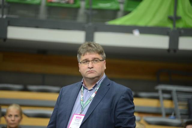 Właściciel klubu Janusz Jasiński ma o czym myśleć