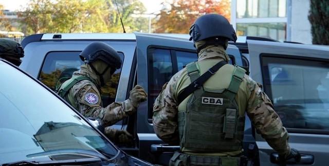 Funkcjonariusze Centralnego Biura Antykorupcyjnego weszli do szprotawskiego urzędu w środę, ok. 13. Wyszli z zatrzymanym burmistrzem Mirosławem G.