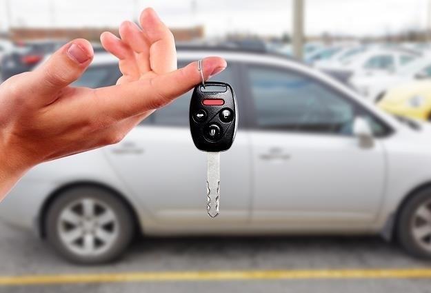 Zakup używanego samochodu może być całkiem udany pod warunkiem, że sprzedawca nie ukrywa przed nami jego wad.