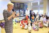 Agata Duda w Toruniu. Pierwsza dama odwiedziła szpital na Bielanach [ZDJĘCIA, WIDEO]