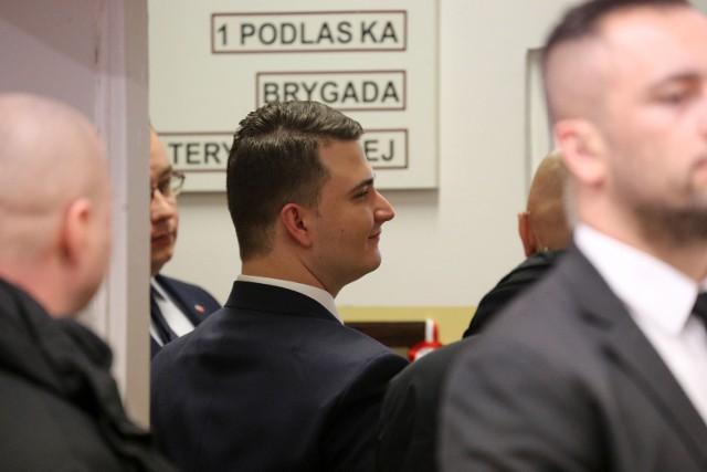 """""""Dla niego wizyta w Białymstoku zaczęła się znacznie wcześniej niż o godzinie 11.00 Niemal dokładnie 12 godzin wcześniej"""" - czytamy w gazecie."""