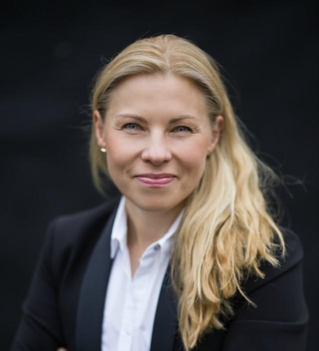 Prof. UAM dr hab. Magdalena Musiał-Karg specjalizuje się w badaniach nad demokracją bezpośrednią oraz wykorzystaniem nowych technologii w systemach demokratycznych, ze szczególnym uwzględnieniem procesów wyborczych (e-voting).