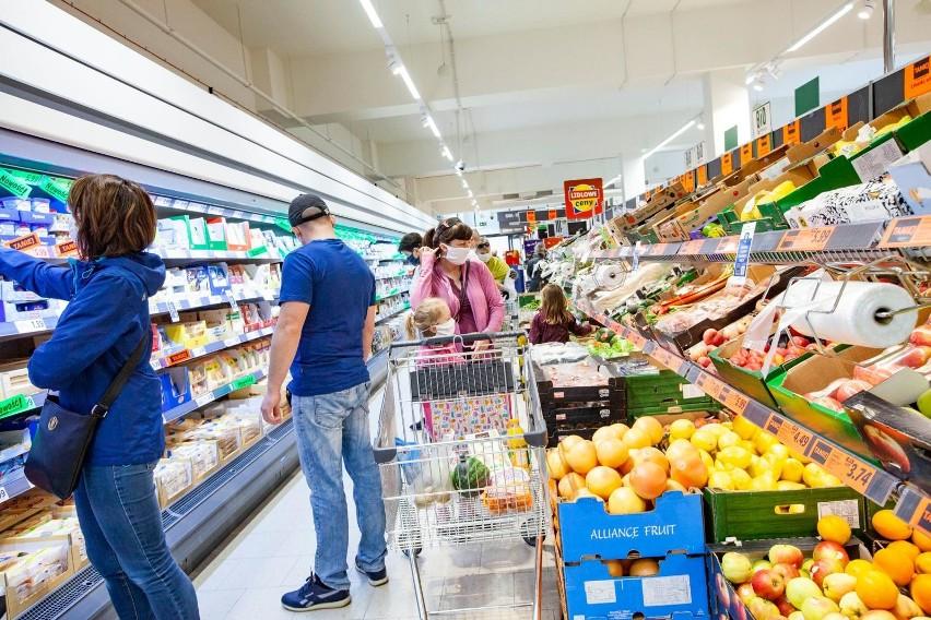 Sieć Lidl obniża ceny prawie 1000 produktów od 1 lipca....