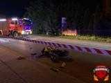 Wypadek motocyklisty w Wieluniu. 19-latek trafił do szpitala po zderzeniu z autem