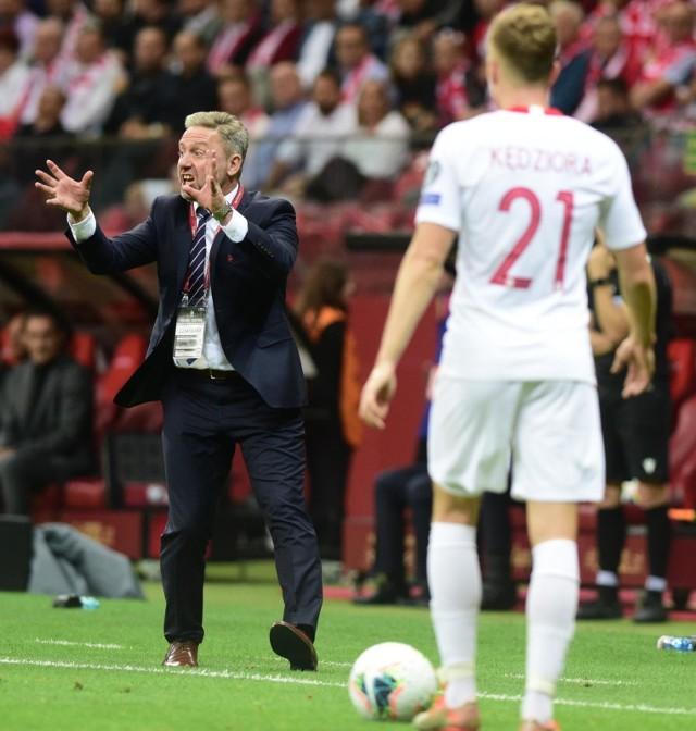 """W poniedziałkowym meczu eliminacji mistrzostw Europy reprezentacja Polski zremisowała 0:0 z Austrią. Gra drużyny Jerzego Brzęczka, delikatnie mówiąc, nie powalała na kolana. Udało nam się jednak znaleźć kilka plusów. Dużo łatwiej było z minusami...Uruchom galerię klikając w ikonę """"następne zdjęcie"""", strzałką w prawo na klawiaturze lub gestem na ekranie smartfonu"""