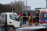 Wypadek przy rondzie Śródka w Poznaniu - osobówka zderzyła się z ciężarówką. Są utrudnienia w ruchu