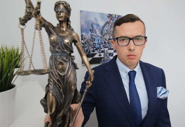 Pełnomocnikiem pokrzywdzonego jest adwokat Adrian Sadaj z Kielc. - Coraz częściej mam do czynienia z błędami medycznymi - mówi