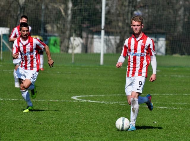 Krzysztof Szewczyk (z prawej) zdobył 18 gola w sezonie