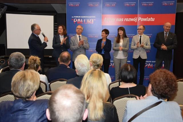 Trwa prezentacja kandydatów na radnych oraz na burmistrza Żnina. Na spotkanie przedwyborcze zaprosił Komitet Wyborczy Forum Samorządowe Pałuki.