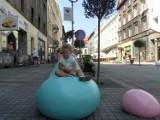 Katowice: Siedziska jak rozlane galaretki osładzają miasto
