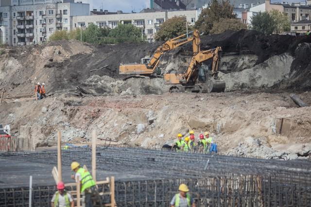 Na budowie dworca Łódź Fabryczna pracuje obecnie 350 osób