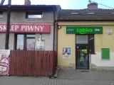 Tak zniknęły - po wielu latach działalności - Żabka i sklep piwny przy ulicy Zielińskiej na Białym Prądniku w Krakowie [ZDJĘCIA]