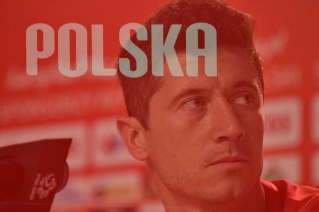 Robert Lewandowski 21 sierpnia obchodzi 33. urodziny. Z tej okazji wybraliśmy więc 33 zdjęcia kapitana reprezentacji Polski w narodowych barwach. Oto jak prezentował się w naszym obiektywie. Jest poważnie, ale też radośnie. Sto lat!