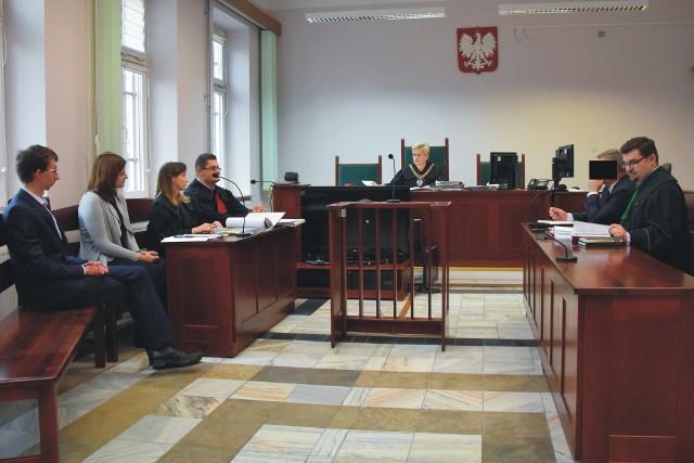 Przed Sądem Rejonowym w Jarosławiu ruszył proces Mariana R., samorządowca z gminy Wiązownica oskarżonego o pobicie mieszkańca tej gminy i zniszczenie mu telefonu komórkowego.