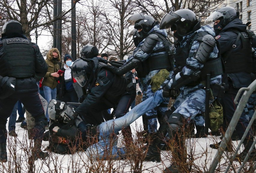 Policja kontra demonstranci w Moskwie