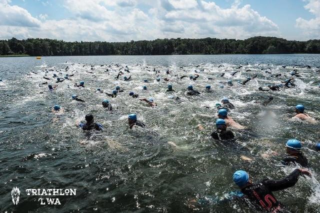 Triathlon w Lusowie, tak jak każdy inny, rozpocznie się od pływania