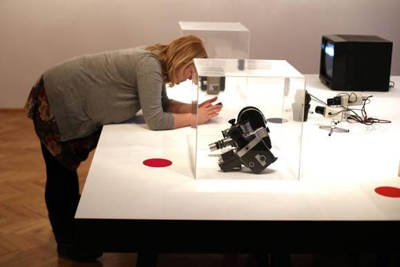 """Fot. Andrzej BanaśWystawa """"Efekt fi"""", prezentowana w krakowskim Muzeum Historii Fotografii to pozornie pokaz przodków kamer. Jest to jednak opowieść o rewolucji społecznej, idącej pod rękę z postępem technicznym."""