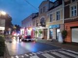 Wolsztyn: Pożar budynku przy ulicy Roberta Kocha. Liczne zastępy straży pożarnej na miejscu
