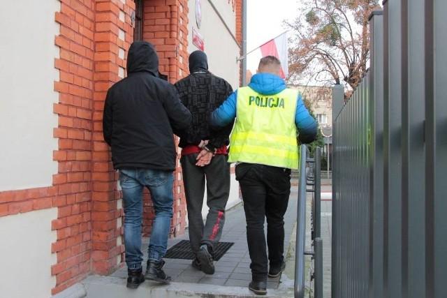 Zatrzymanie po rozboju w Chełmnie. Strażnicy miejscy z Chełmna: Na monitoringu utrwalił się wizerunek jednego ze sprawców