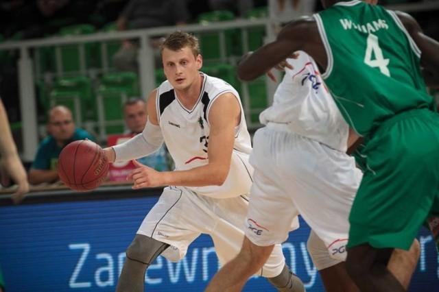 Mateusz Kostrzewski będzie już mógł zadebiutować w ostrowskim zespole w najbliższym spotkaniu z MKS Dąbrowa Górnicza