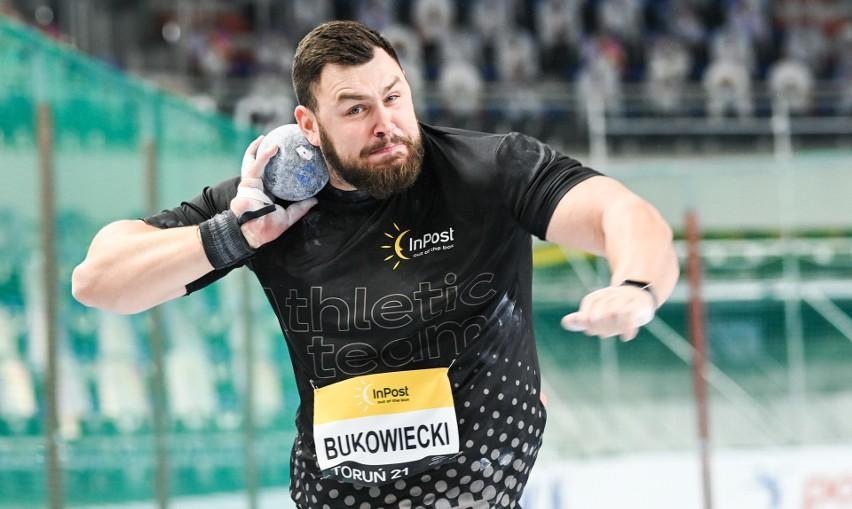 Konrad Bukowiecki cztery lata temu sięgnął po halowe...