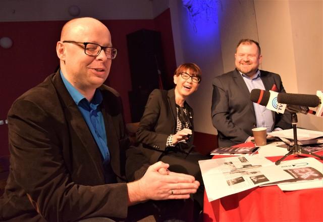 Od lewej: Szymon Gurbin z CK Teatr w Grudziądzu, odpowiedzialny za program festiwalu, Anna Janosz - dyrektor CKT i Grzegorz Romanowski, wicedyrektor CKT