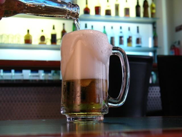 Polacy piją coraz więcej piwa.