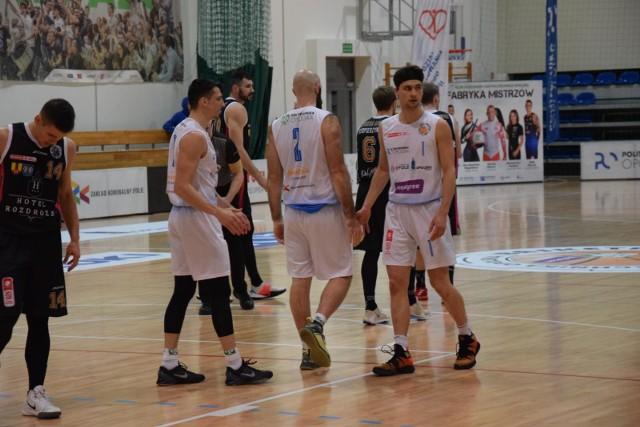 Koszykarze z Opola do udanych mogli zaliczyć tylko pierwszą kwartę.