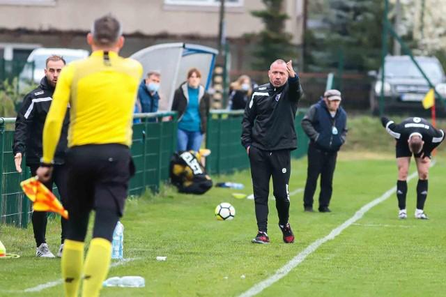 Trener Olimpii Tomasz Kulhawik dostał od zespołu miły prezent na 41. urodziny