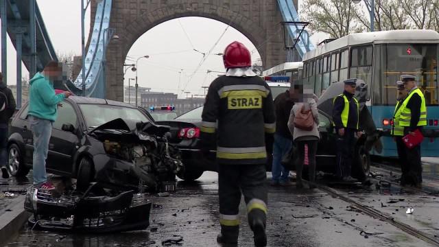 Wypadek na moście Grunwaldzkim, Wrocław, 09.04.2016