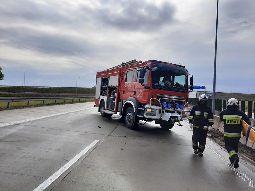 Groźny wypadek na A4. Bus przewożący 9 osób zderzył się z ciężarówką